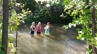 Joggers in Stream